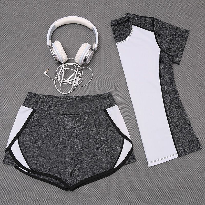 New fashion wears fitness woman sexy sports bra and shorts set