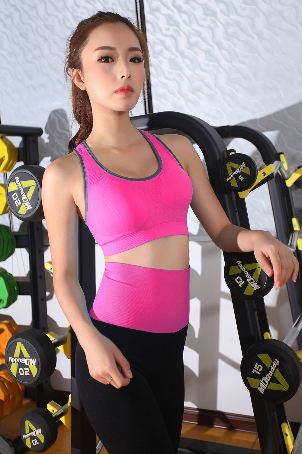 ce8c5875a973c Wholesale 2018 fashion fitness yoga wear womens sexy seamless sports ...